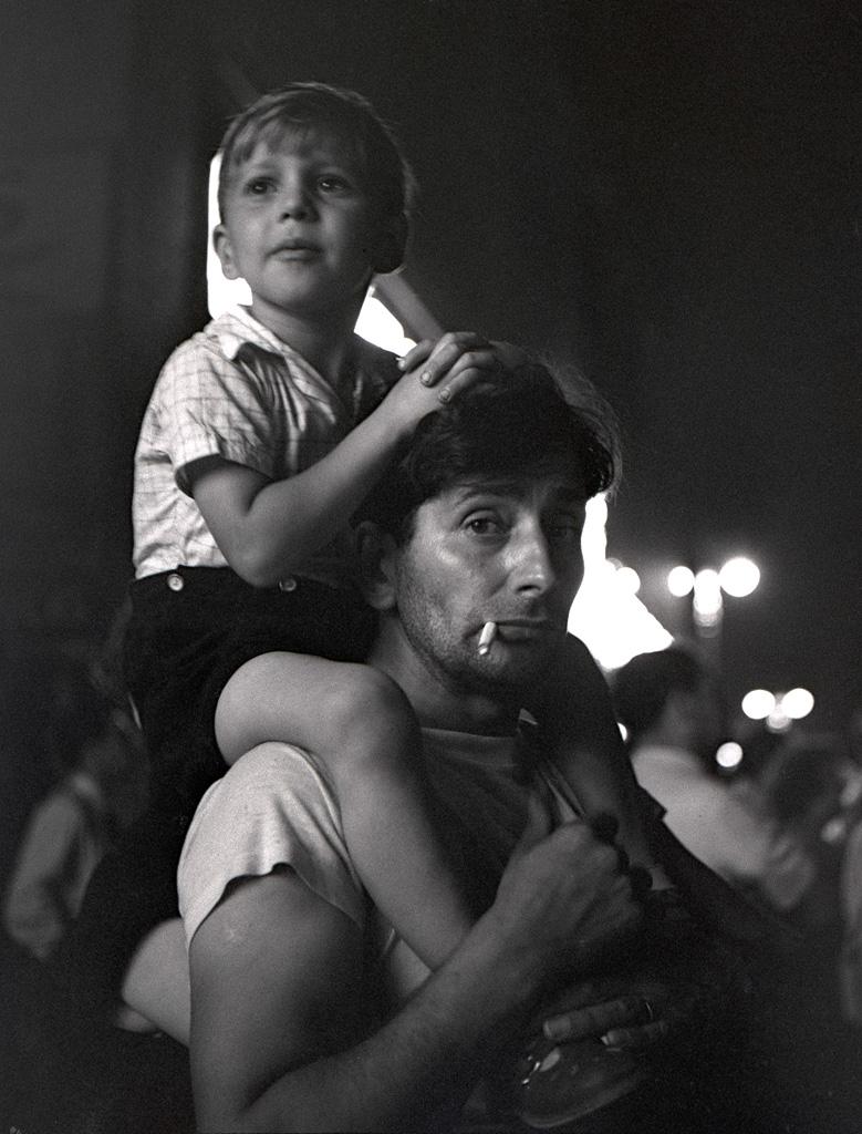 Boy on dad's shoulders, 1951