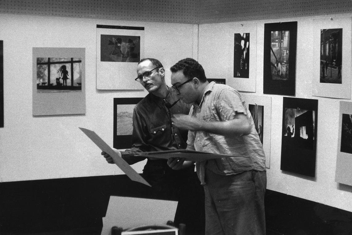 Gene Smith and Harold Feinstein at Limelight, 1957 © David Heath