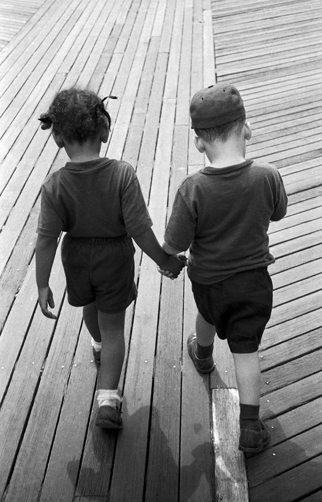 Hand in hand on the boardwalk, 1955