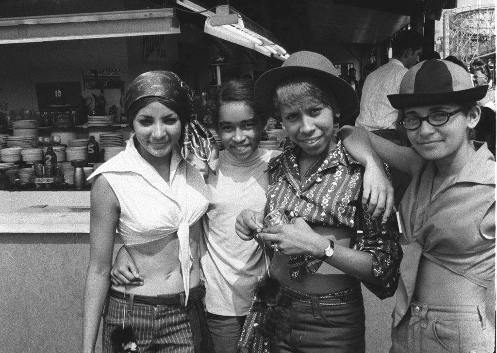 Four Girlfriends, 1990