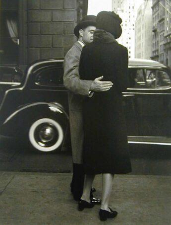 Park Ave, 1930 © Morris Engel