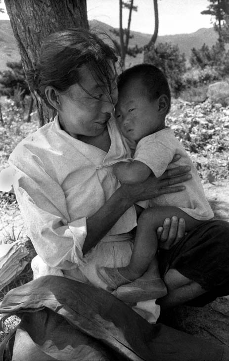 Korean mother and child, 1952