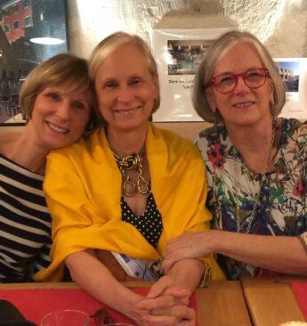 Les trois soeurs ath Les Quatres Saisons in Grimaud.  Ruth Thompson, Judith Thompson, Beth Black, 2016